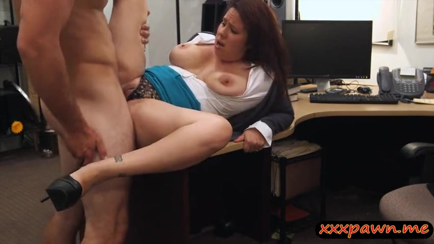 Любопытная испанская леди решила и себе пройти порно кастинг
